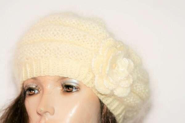 Basca tricotata din mohair si lana