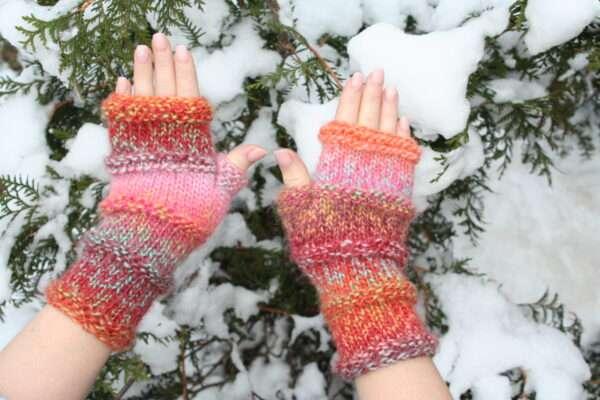 manusi fara degete pentru fete , tricotate manual